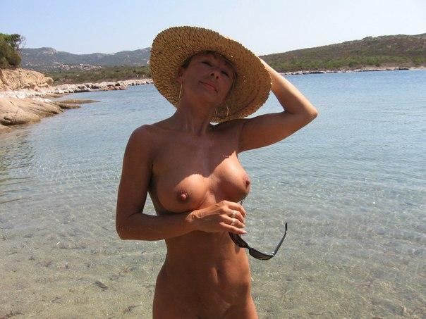 Старушка удивила своим сексуальным телом