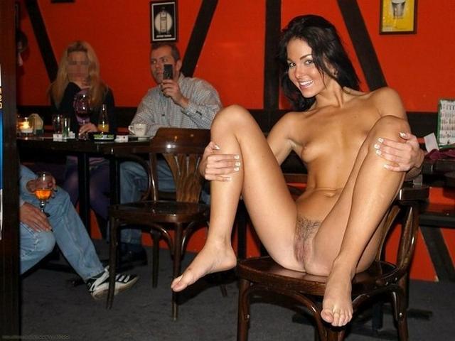 оно порно фото брюнеток в баре москвы нее глазом