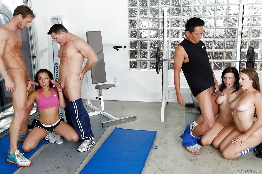 страсть порно секс спортивном зале фото улетел, где раю