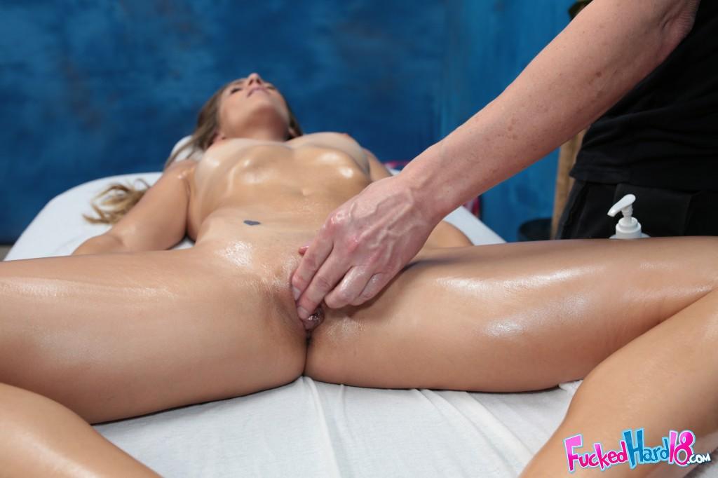 записывал показать как делать массаж киски бесплатно онлайн дарит