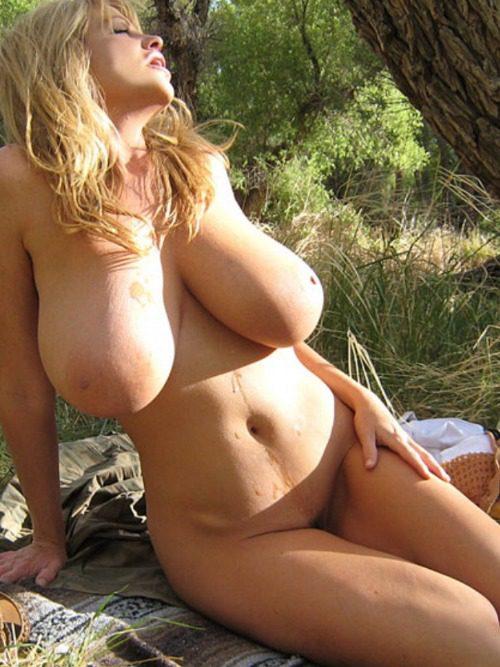Порно Большая Грудь На Природе